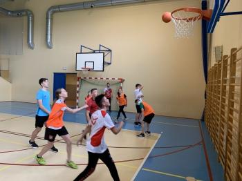Klasy 7-8- rozgrywki w koszykówkę cz.5